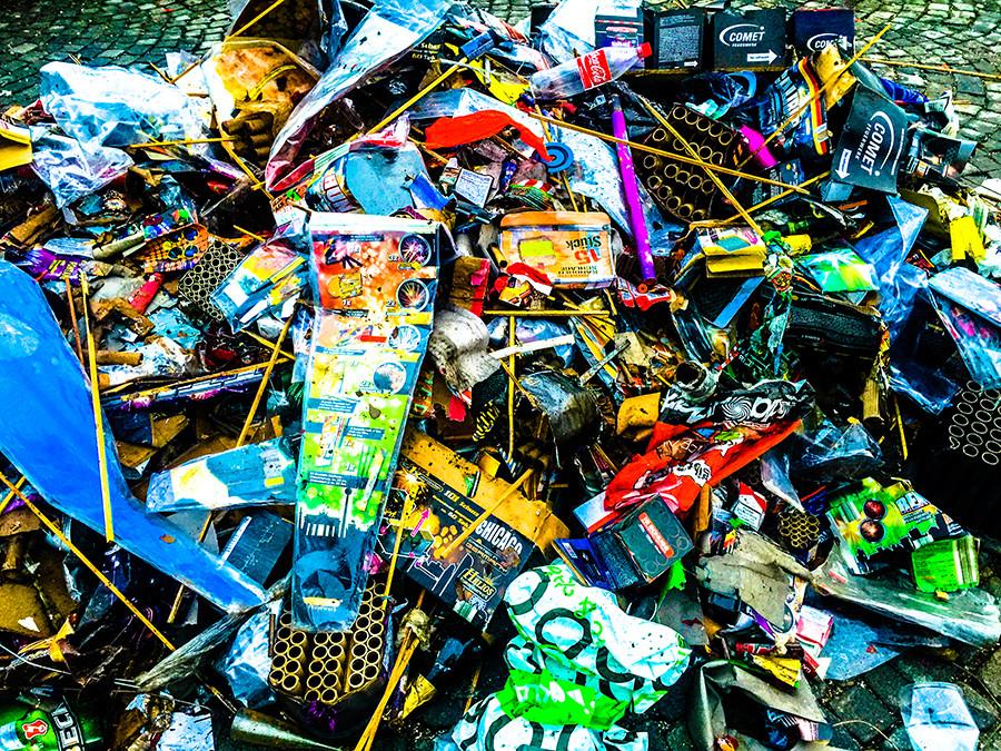 Gibt sich als Teil des bunten Chaos, ist aber nur Müll